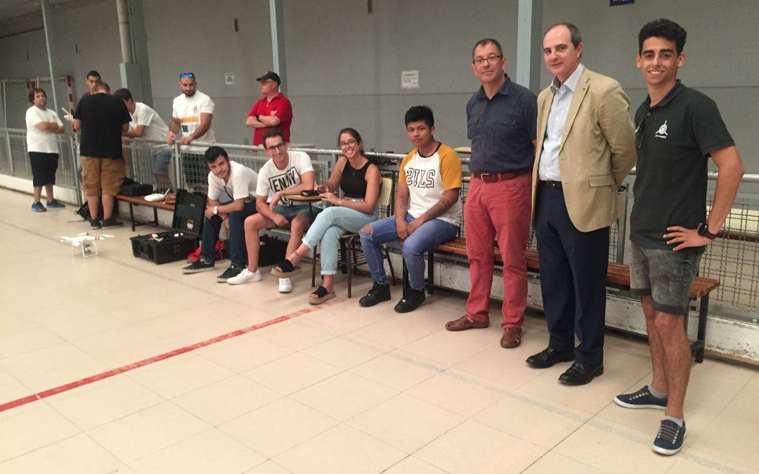 Visita a la escuela de pilotos de drones organizada por el Ayuntamiento de Coslada